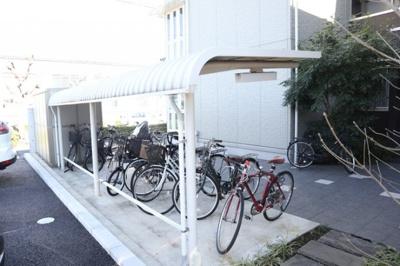 お隣Bienestar駐輪場