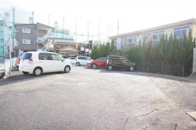 駐輪場スペースあります。