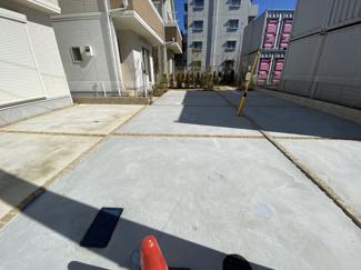 駐車スペースです。徒歩11分には千葉日本大学第一小学校・中学校・高等学校が近いです。