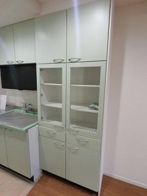 備え付けの食器棚です。
