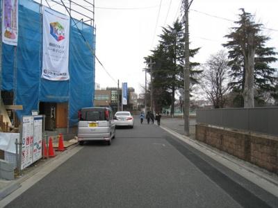 前面道路含む現地写真です 2号棟