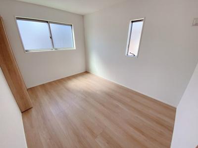 2F居室は3居室+マルチルーム。2面採光により明るい洋室!全居室収納完備!