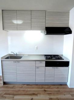 システムキッチンです。新規内装リノベーション完了です。