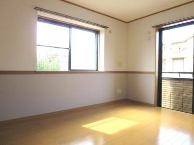 約6帖角部屋の洋室