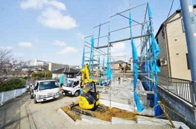 【前面道路含む現地写真】保土ヶ谷区鎌谷町 全3棟新築戸建て