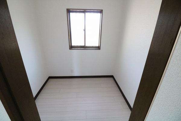 2階納戸。沢山収納出来ます♪