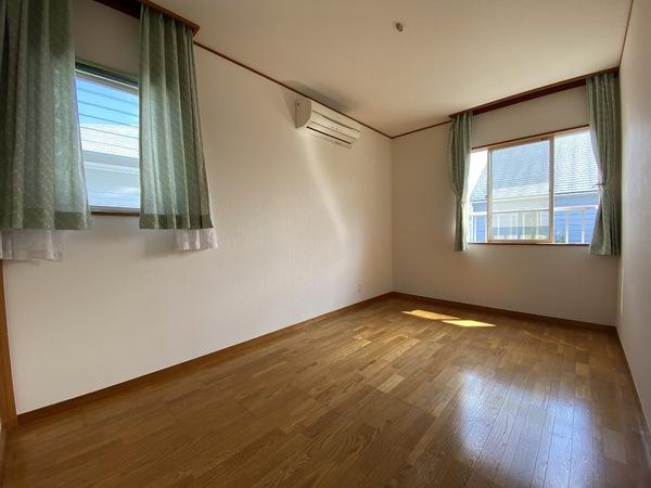 2階南東側の洋室