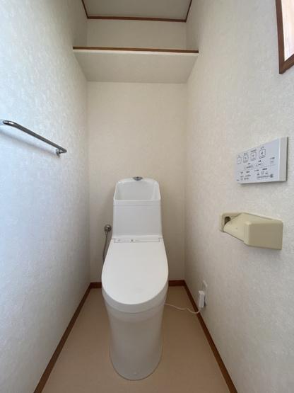 2階トイレもリフォーム済みです。