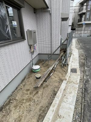 【バルコニー】ラシーネローザ (株)Roots