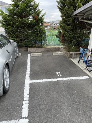 【駐車場】ヴィラフェリーチェ