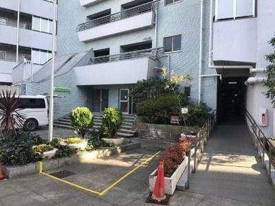 総戸数218戸のビックコミュニティマンションです。
