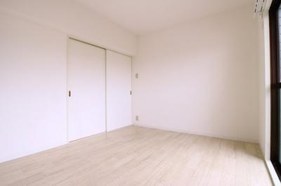 【寝室】リバーサイド西舞子