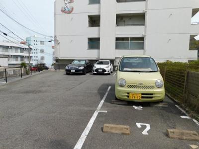 【駐車場】ヒラパレス