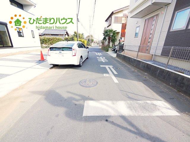 広々前面道路で駐車もらくらく♪