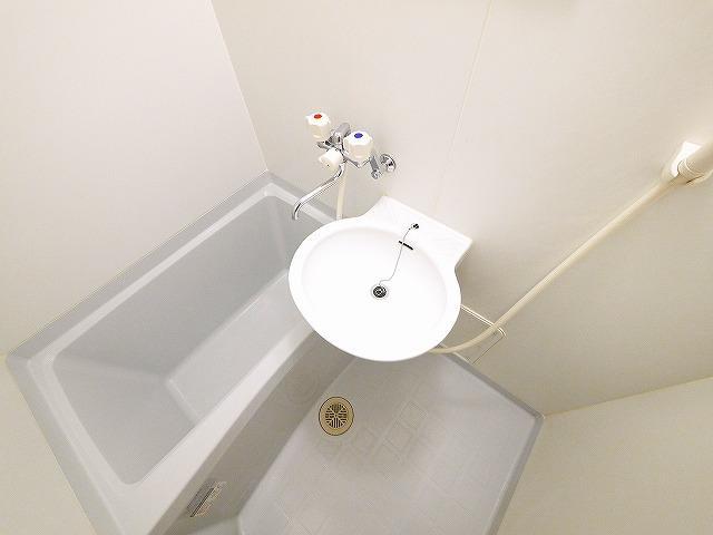 明るい洗面スペースです