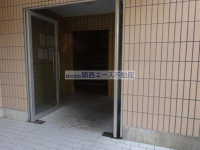 【エントランス】富尾ハイツ