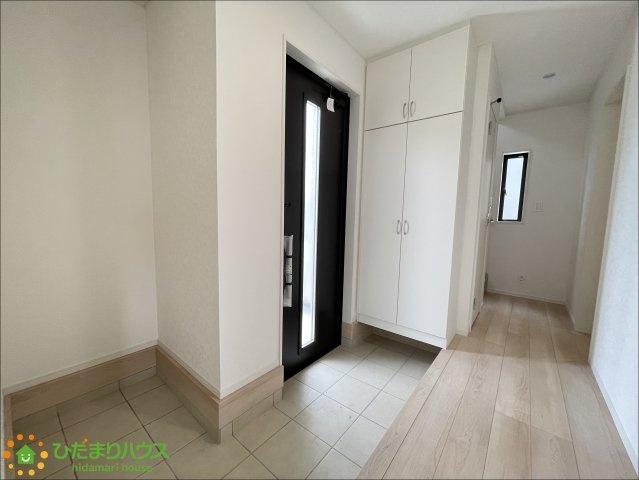 広々とした玄関!収納も豊富で綺麗を保てます♪