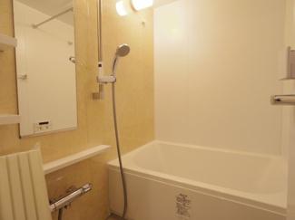 ユニットバスは1216サイズに新規交換しました。追炊き機能、浴室乾燥機付きです。