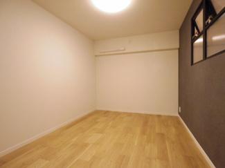 サービスルームです。お部屋としても十分使えます。