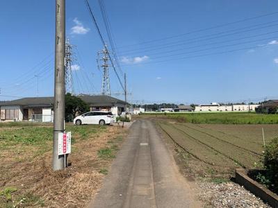 東接面道路の北側を撮影