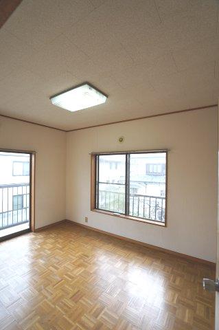 2階 本日、建物内覧できます。住ムパルまでお電話下さい!