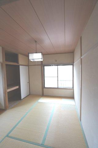 2階6帖 本日、建物内覧できます。住ムパルまでお電話下さい!