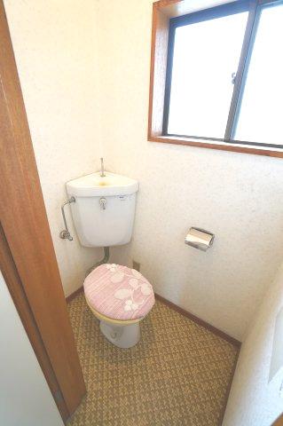 2階トイレ 本日、建物内覧できます。住ムパルまでお電話下さい!