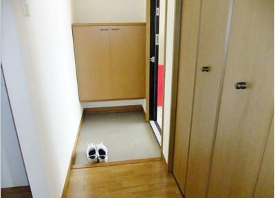 【玄関】クレセント参番館