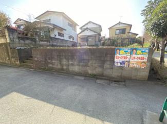 習志野市東習志野 土地 実籾駅 角地のため開放感が御座います。