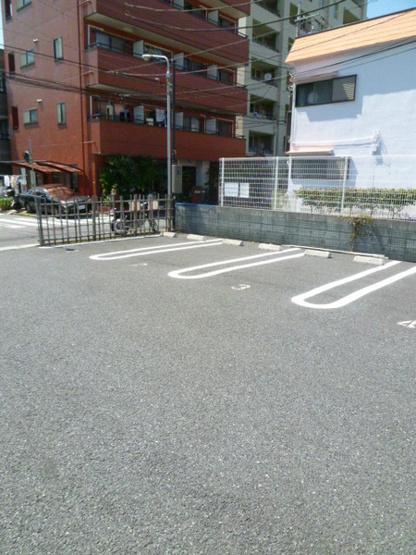 近所の駐車場(1.8万円)