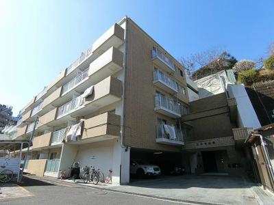 小田急線「生田」駅より徒歩8分!ペット&楽器OK!エレベーター付きの鉄筋コンクリート5階建てマンションです☆
