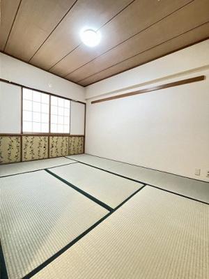 6帖の落ち着く和室です!赤ちゃんのごろごろやハイハイはやっぱり和室がよかったりします♪