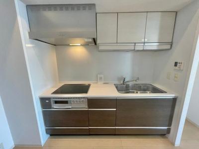 【キッチン】アーバス新宿余丁町