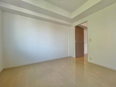 【洋室】アーバス新宿余丁町