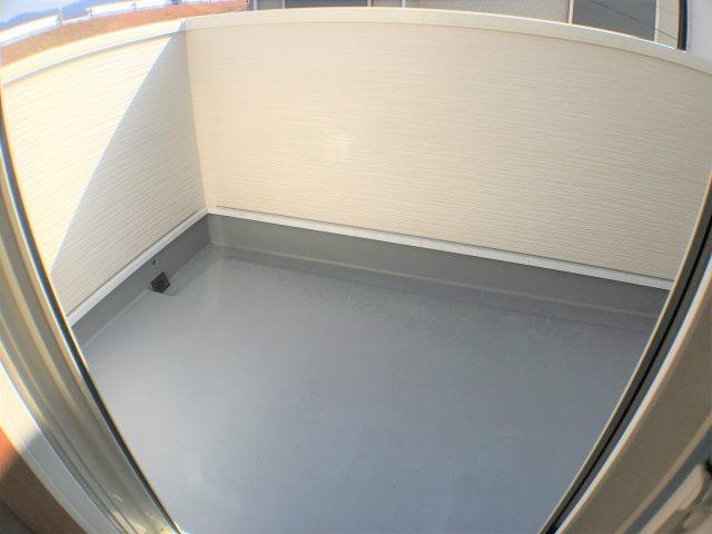 断熱・遮熱・結露防止・防音・防犯など、多くの効果を期待できる高機能なぺアガラスを全居室に採用! ※同仕様写真
