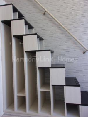 グランディSAYAKAの収納付き階段☆
