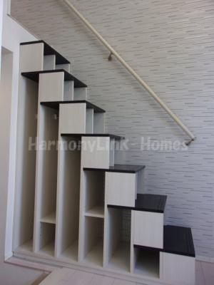 グランディSAYAKAの収納付き階段②☆