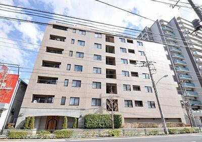 千代田線「北綾瀬」駅から徒歩約8分の立地です。