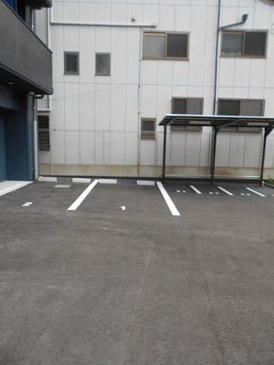 バイク置き場・駐車場