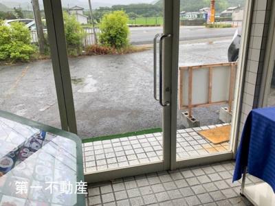 【玄関】西脇市寺内 テナント