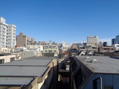 住戸からの眺望です。4階部分で開放感がございます。