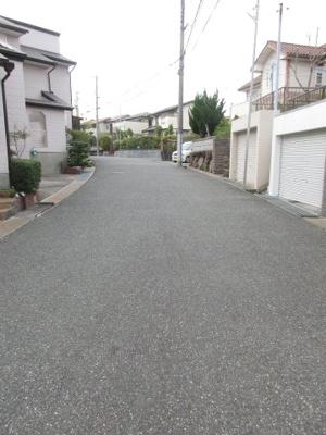 【前面道路含む現地写真】神戸市西区狩場台4丁目 中古テラスハウス