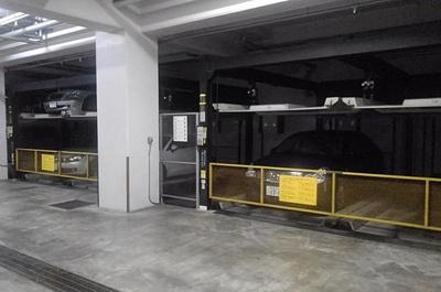 立体駐車場もございます。空き状況は現地にてご確認ください。