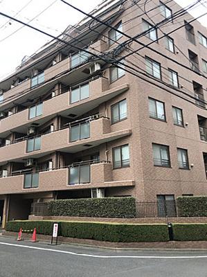 JR山手線「大塚」駅から徒歩約6分の便利な立地です。