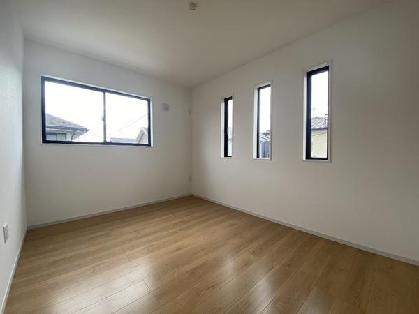 2階南西側の洋室