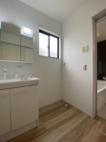 【独立洗面台】守谷市立沢2期 2号棟 2階にフリースペース付き