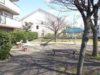 マンション横公園