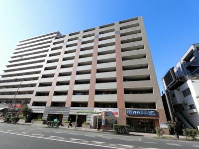 総戸数123戸、2003年1月築、管理人は日勤勤務につき管理体制良好です♪