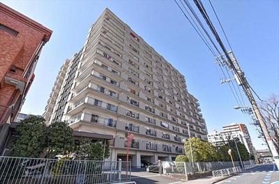 JR中央線・総武線「亀戸」駅より徒歩約5分にあります。