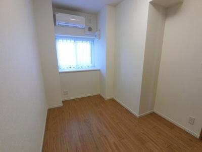 4.6帖の洋室です。 子供部屋やワークスペースとしても活用できます。